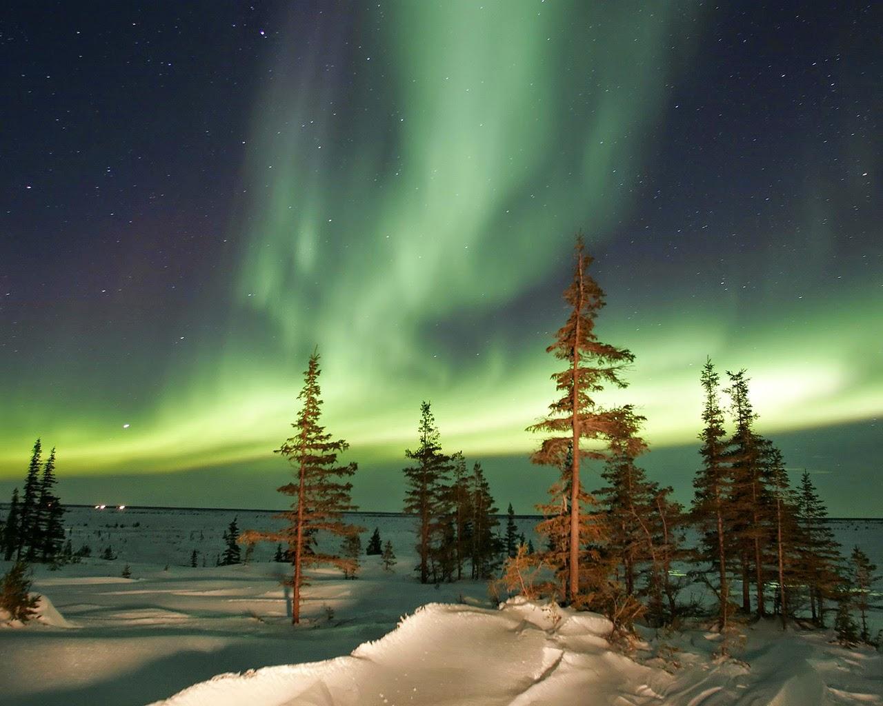 20 Amazing Colorful Aurora Borealis Wallpapers HD -o-