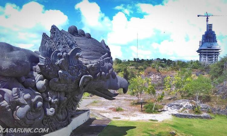 Penasaran sama Taman Budaya Garuda Wisnu Kencana? Yuk diintip..
