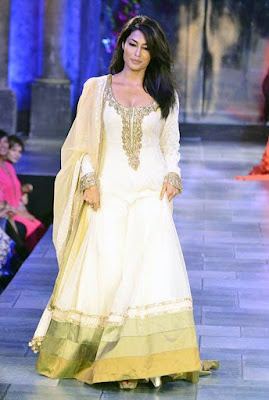 New-indian-anarkali-suit-designs-2017-for-casual-wear-7