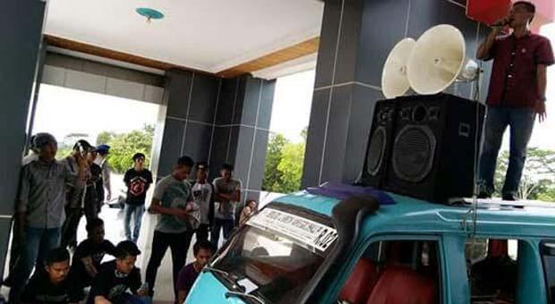 Aktivis AMKSM Tuding Adanya Kongkalikong Bupati, Wakil Bupati dan Sekda