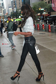 Jasmine-Tookes-Arriving-at-the-Victorias-Secret-fitting-_039+%7E+SexyCelebs.in+Exclusive.jpg