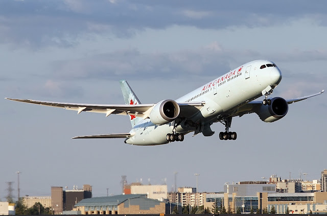 Air Canada with Boeing 787-9 Dreamliner