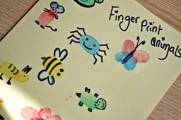 bunble bee, mouse, butterfly, spider, tiger and turtle finger painting using the fourpart paint pad from baker ross review