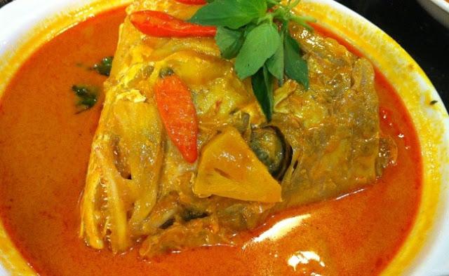 Masakan tradisional Aceh Gulai kepala ikan