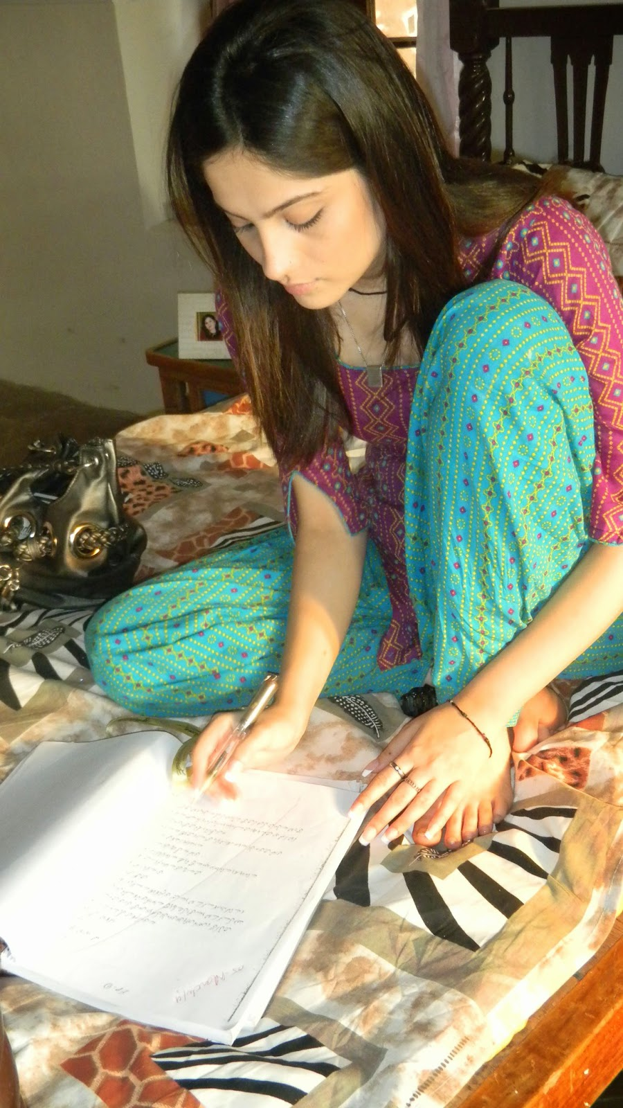Theme.... Hot sindhi girls pictures very valuable