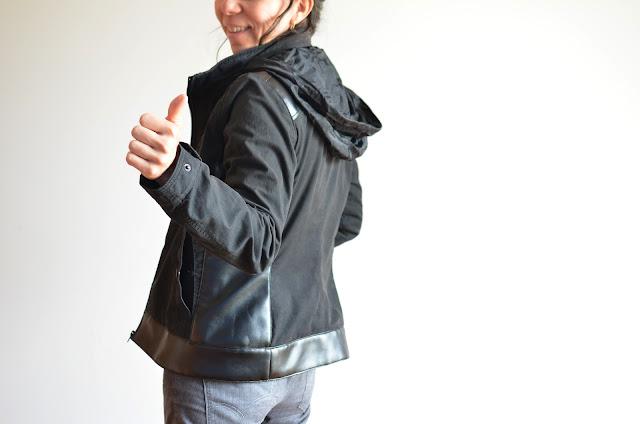 Upcycling de chaqueta masculina a femenina