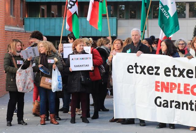 Protesta de trabajadoras del servicio municipal de ayuda a domicilio para ancianos