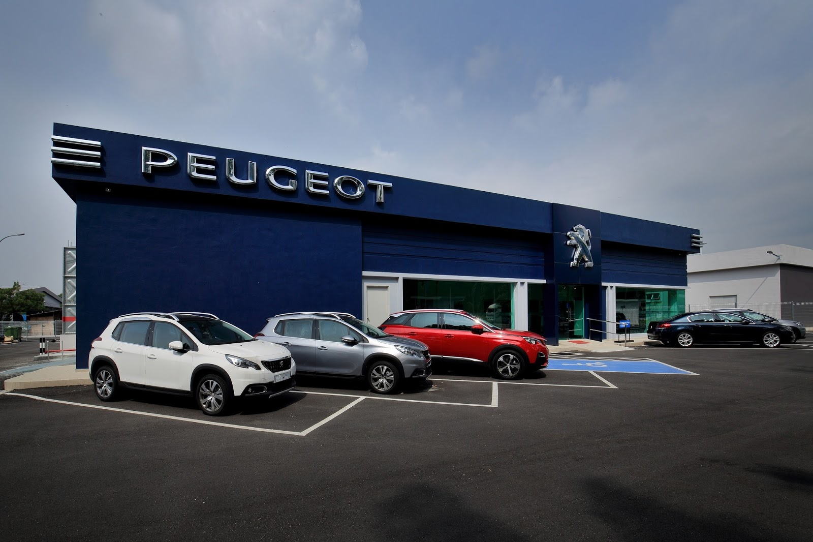 Motoring Malaysia Peugeot Seremban Officially Opens Its Doors