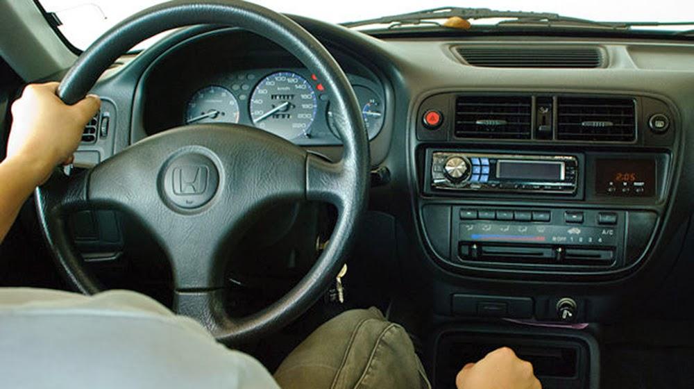 Lái xe an toàn 9 cách bạn nên cần biết để giữ an toàn trong lúc lái xe? C C3 A1c 2Bc C3 A1ch 2B C4 91 E1 BB 83 2Bgi E1 BB AF 2Ban 2Bto C3 A0n 2Btrong 2Bl C3 BAc 2Bl C3 A1i 2Bxe 2B 4