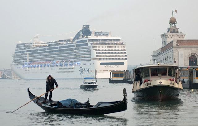 Ingressos para o cruzeiro aos pontos turísticos de Veneza