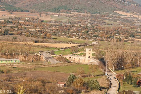 Puente medieval de Frías visto desde el castillo