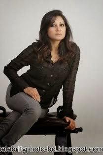 Bangladeshi Sexy And Hot Actress Farah Ruma's Latest Unseen HD Photos