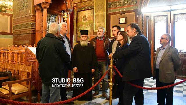 Επίσκεψη Τατούλη στον Μητροπολιτικό Ιερό Ναό Αγίου Γεωργίου στο Ναύπλιο (βίντεο)