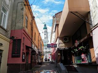 Дрогобыч. Вид на городскую ратушу с улицы Узкой