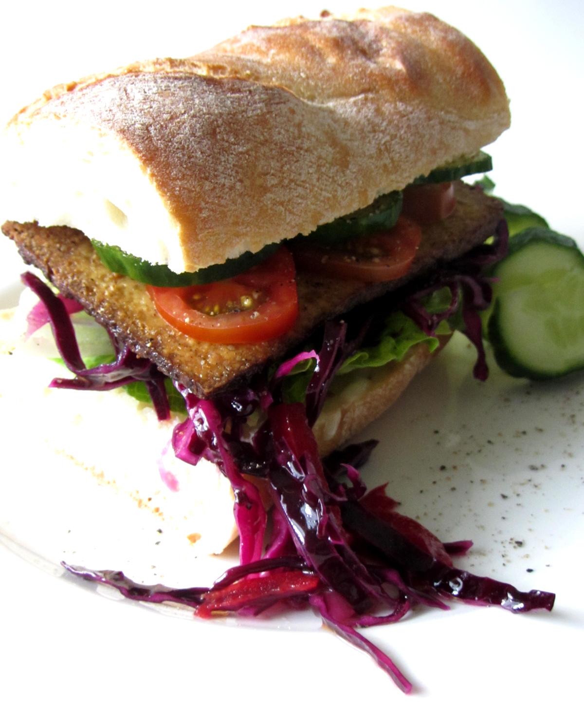 rotkraut sandwich fell in love with gemuese vegane rezepte zum verlieben. Black Bedroom Furniture Sets. Home Design Ideas