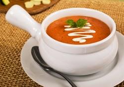 Trinta pomidorų sriuba su grietine