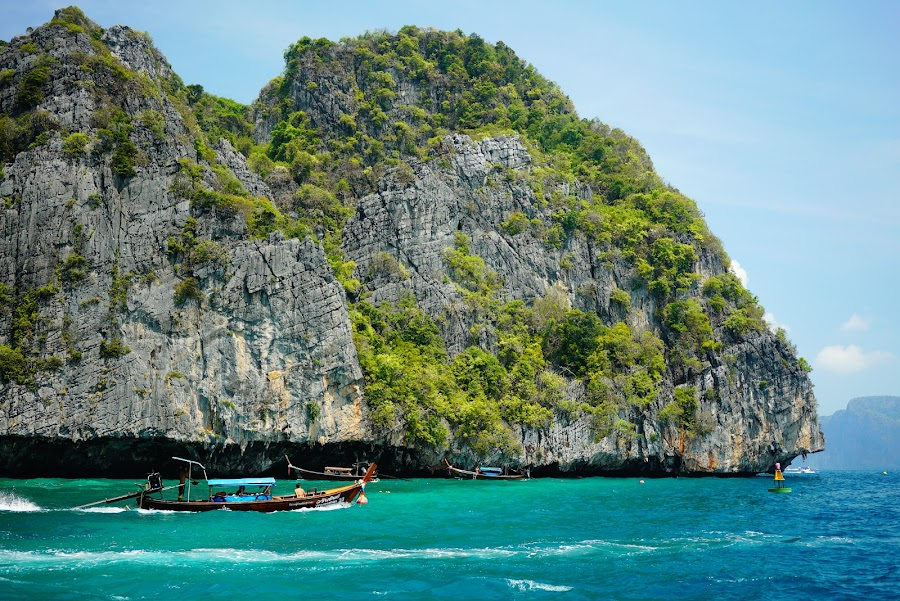 Phi phi one day speedboat tour