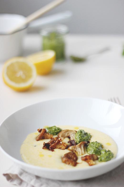Cremige Polenta mit Felsalatpesto und gebackenen Austernpilzen, Rezept, Holunderweg 18