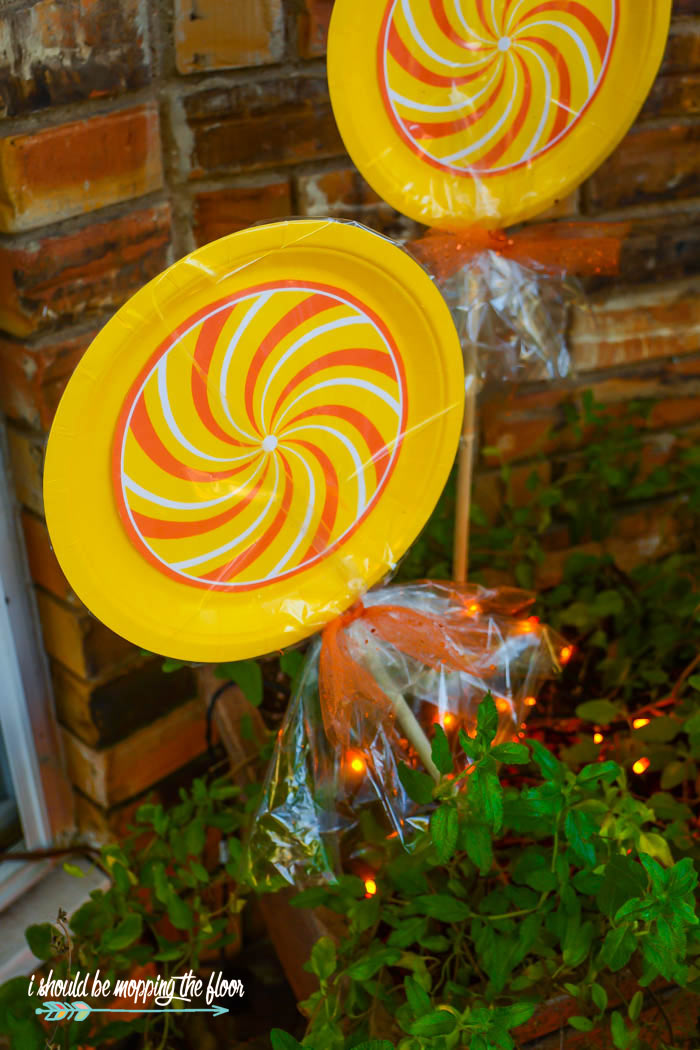 Candy Corn Lollipops