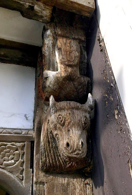 carvings in wood at stratford upon avon