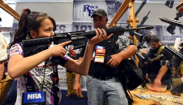 Lobby armamentista de EE.UU. amenaza a detractores de Trump