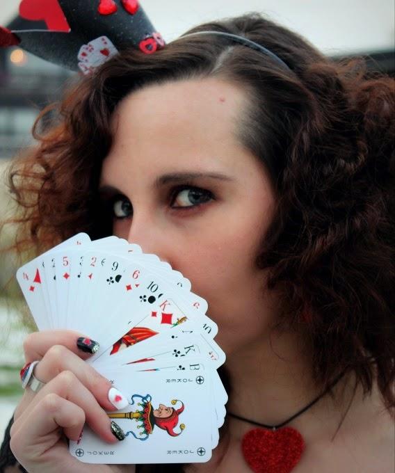 Herzkönigin Queen of Hearts Halloween Costume