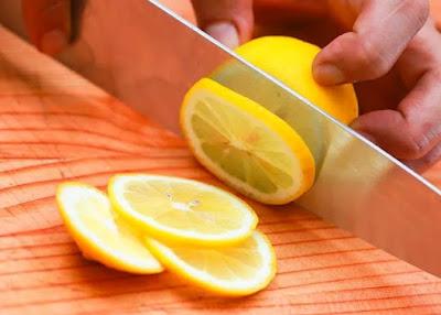 Cara Membuat Air Lemon Murni dan Variasi Menu Tambahannya
