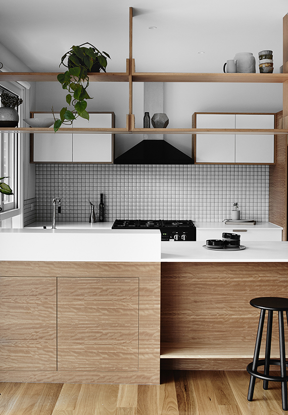 Fantastic Decor Trend Handle Free Kitchen Cabinets My Paradissi Interior Design Ideas Lukepblogthenellocom