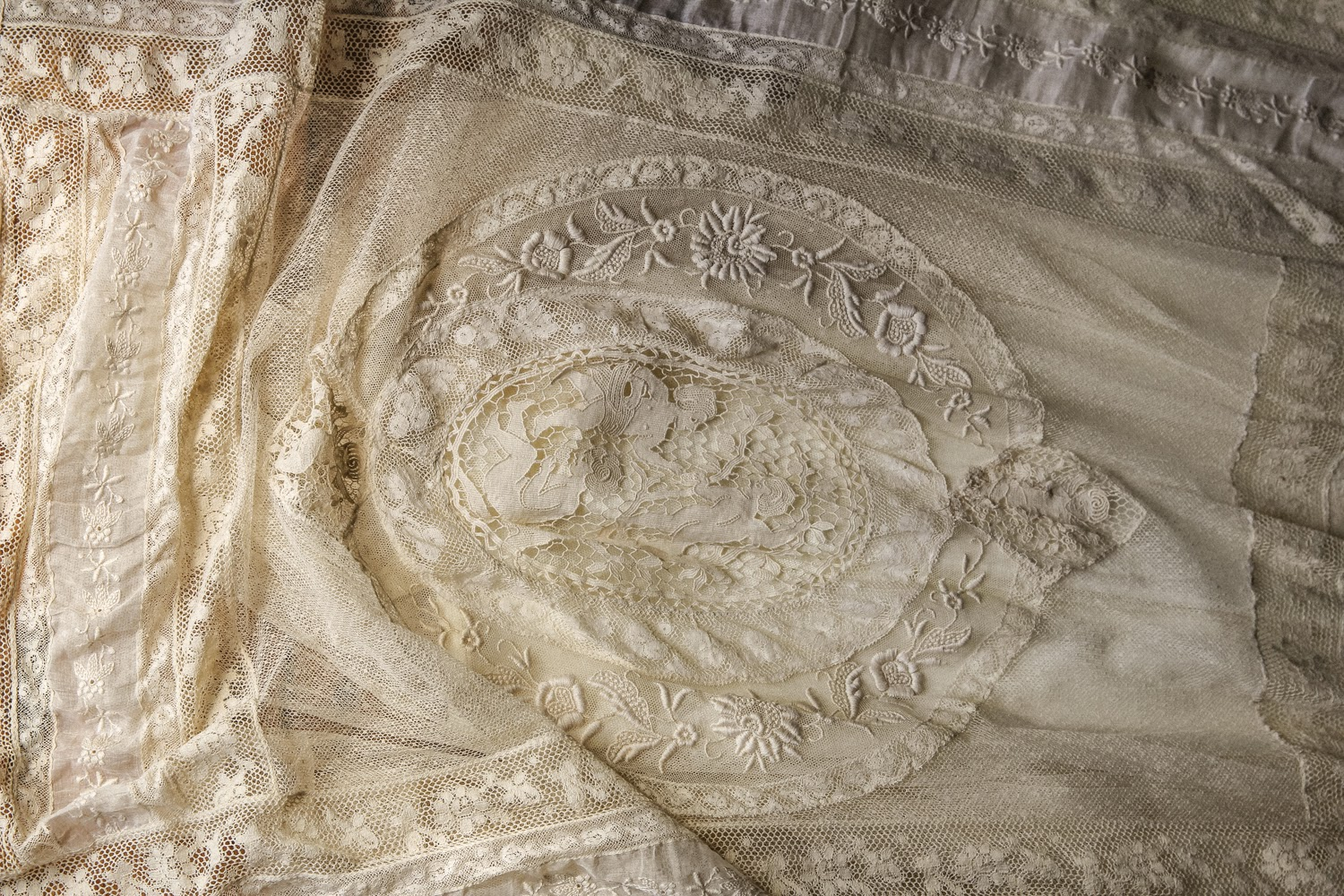 Normand lace bedspread