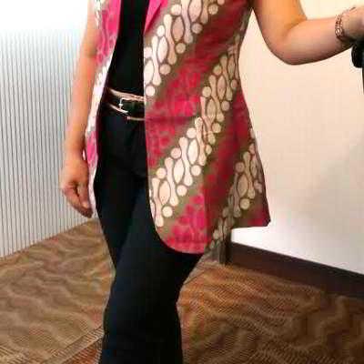 Model Rompi Batik Wanita Modern