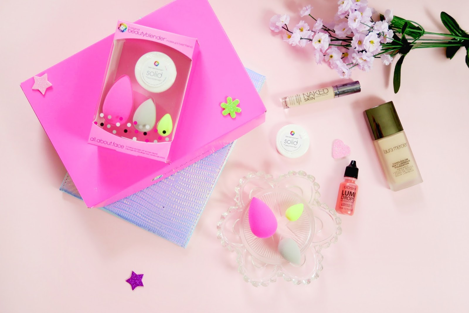 an image of the all.about.face by beautyblender kit