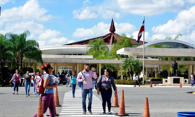 UASD suspende docencia por fuertes lluvias que se registran en el país