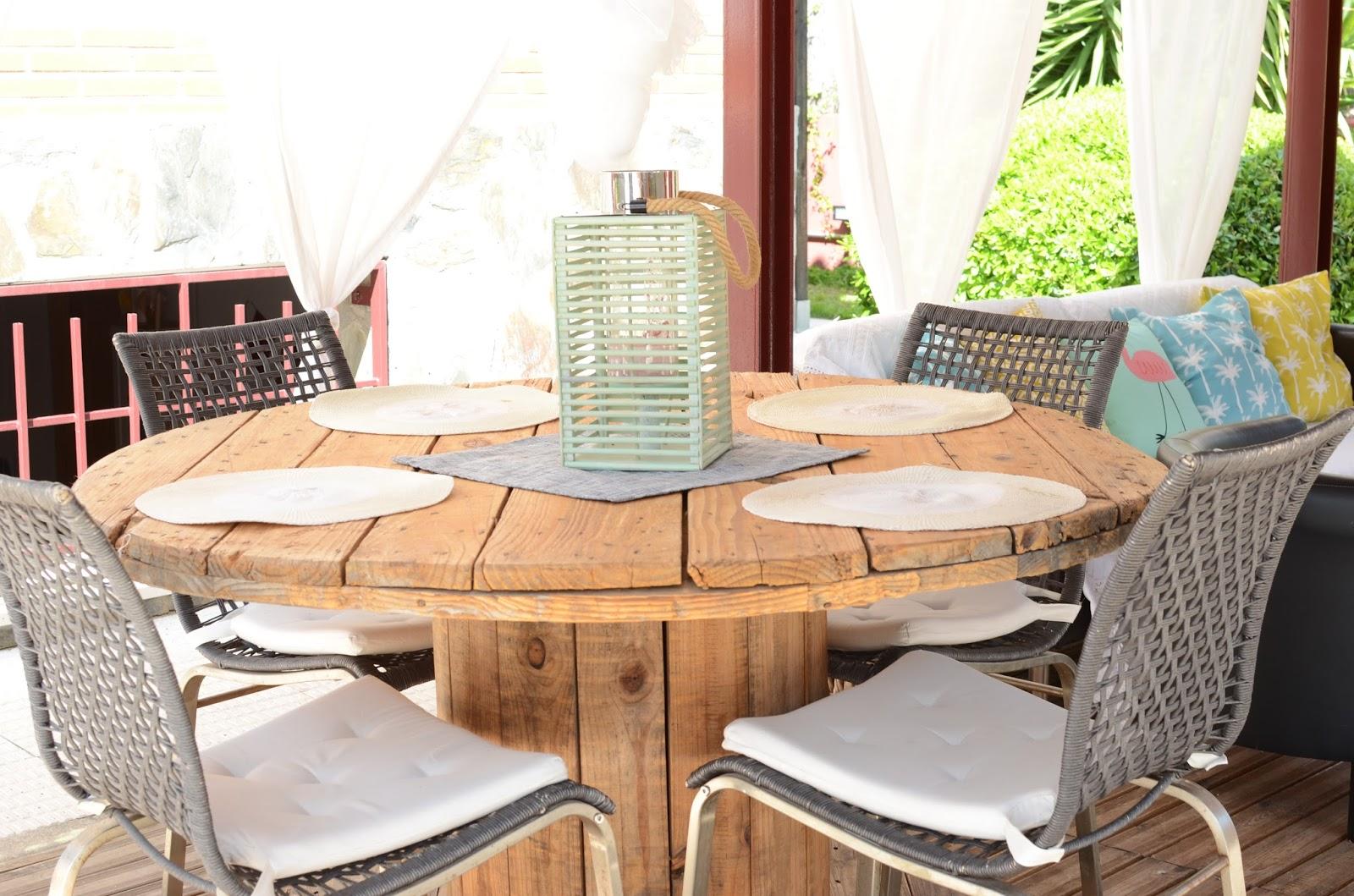 mesa bobina cable jardín