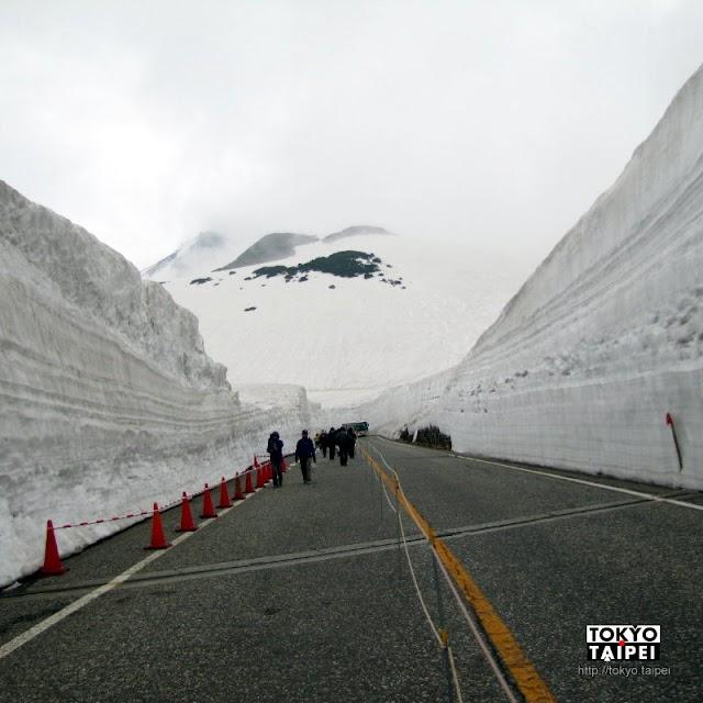【立山黑部阿爾卑斯山脈路線】超震撼雪之大谷 漫步在14公尺高的雪壁中