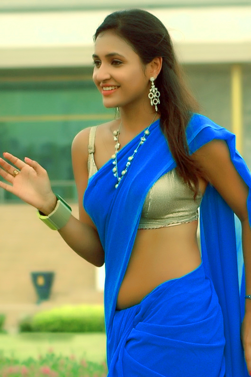 South Indian Actress Wallpapers In Hd Sarayu Hot Navel -9681