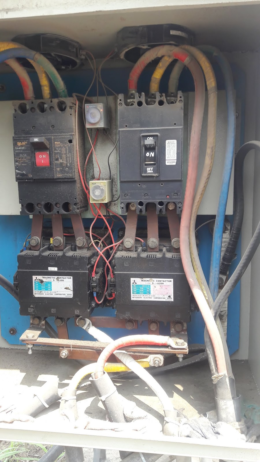 Motor Circuits Automatic Changeover Circuit Electronic And Diagram