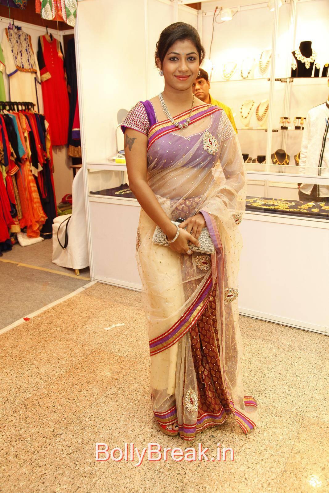 Geethanjali Photoshoot Stills, Geethanjali Hot Pics from Akritti Elite Exhibition Launch