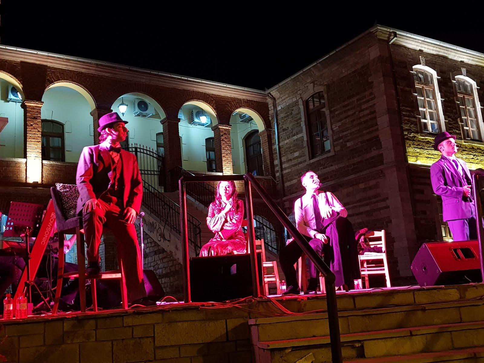 Πλήθος κόσμου στη μουσικοθεατρική παράσταση «Σουγιούλ για ένα βράδυ»