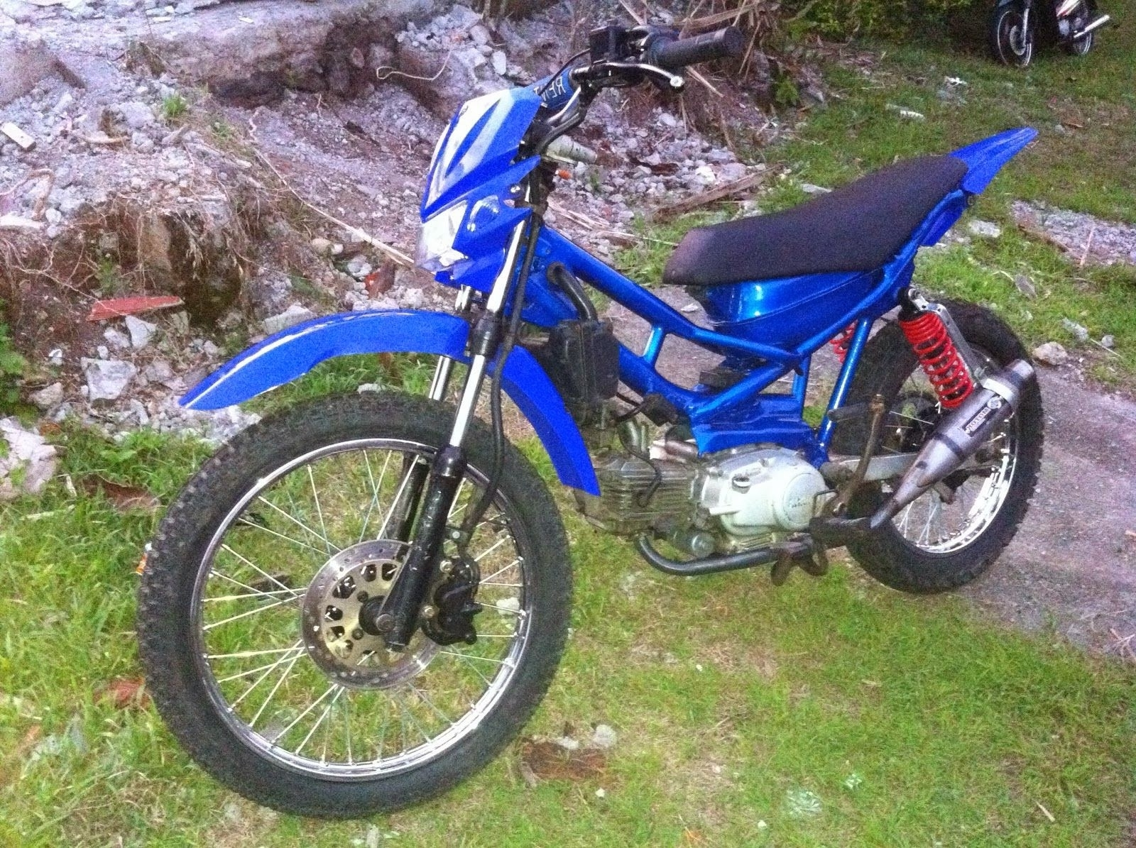 Download Koleksi 59 Modifikasi Motor Honda Revo Jadi Motor Trail