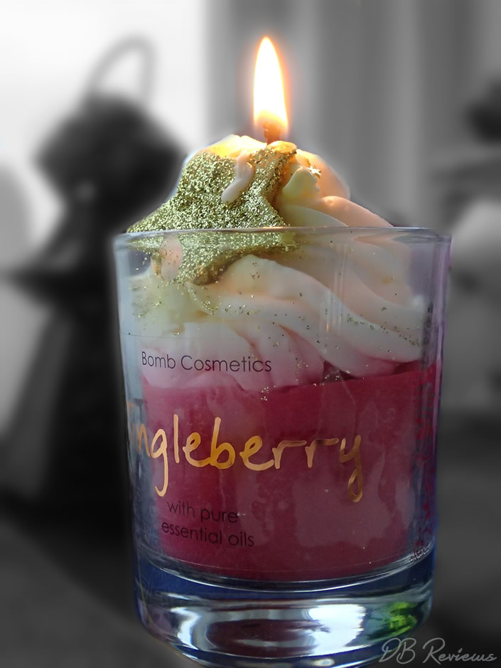 Bomb Cosmetics Jingle Berry Piped Candle