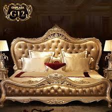 Giường ngủ tân cổ điển đẹp cho phòng ngủ gia đình