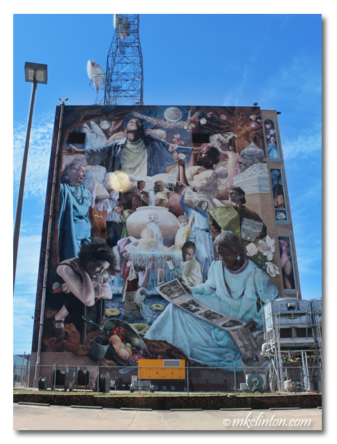 Once in a Millennium Moon mural reflects Shreveport's history