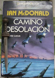 Portada del libro Camino Desolación, de Ian McDonald