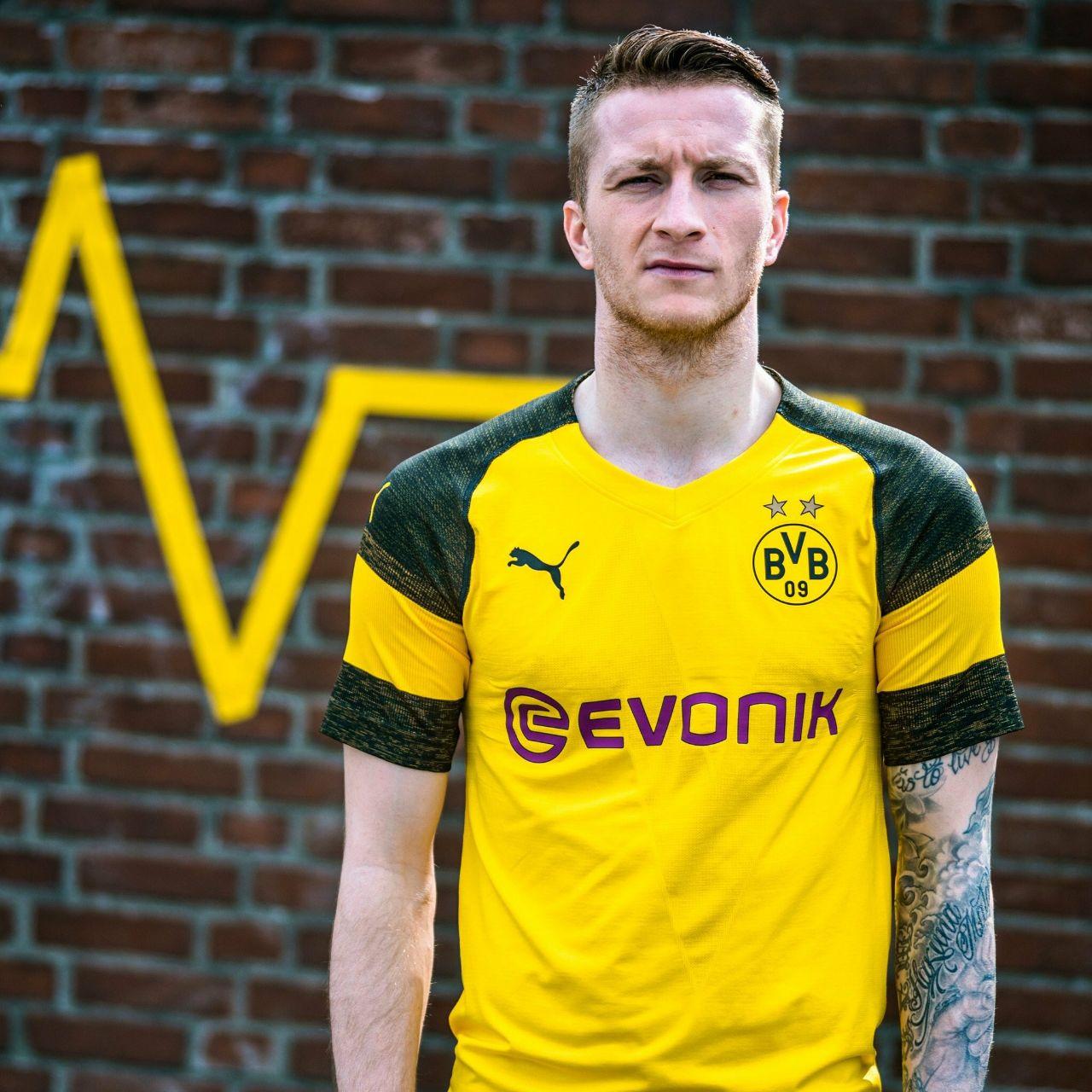 Confira as imagens  Veja imagens da nova camisa do Borussia Dortmund ... e7647acbaa046
