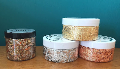 gilding flakes from Cosmic Shimmer and Tonic