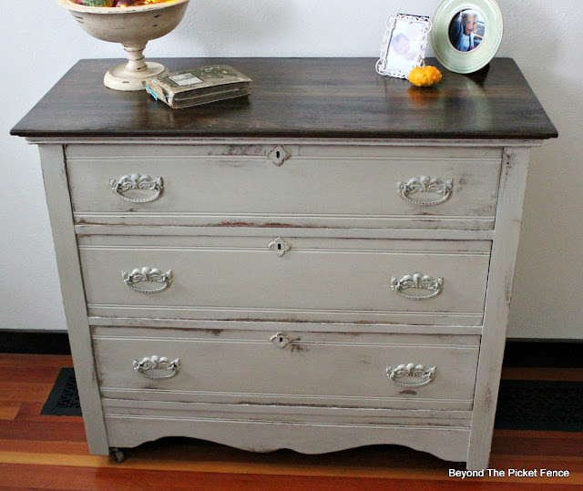 dresser makeover, farmhouse style, paint it, greige paint, oak dresser, https://goo.gl/zxVDy0