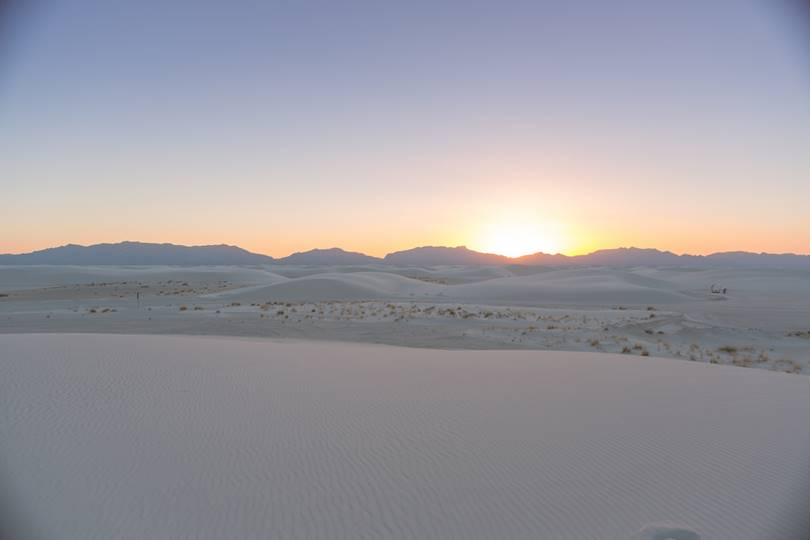 Geologists define as sand any substance consisting of a mineral with a diameter of between 0.065 and 2 mm. Most of the sand on the Earth consists of quartz. However, New Mexico's white sand dunes consist of 98% pure gypsum sand.