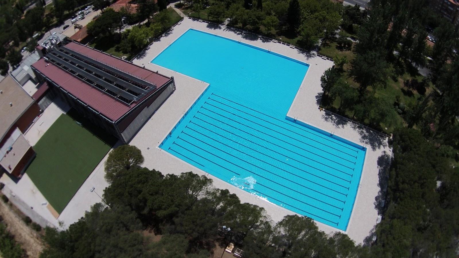 Lleg el ansiado chapuz n en la piscina de aluche gu a for Gimnasio piscina madrid