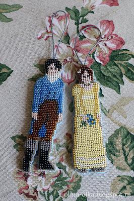 Дарси и Лиззи - ёлочная игрушка из бисера