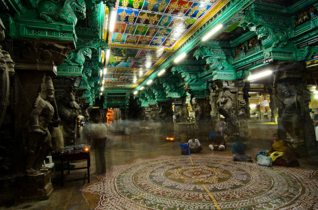 Meenakshi Amman Temple – India's Dazzling Shrine Saturated ...